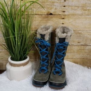 Sorel faux fur lined boots